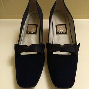 Nina navy blue velvet and satin kitten heel